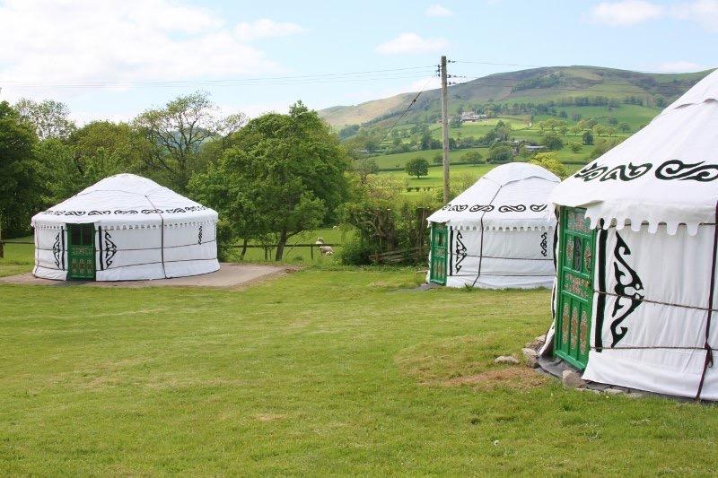 Barnutopia Luxury Yurts (2)